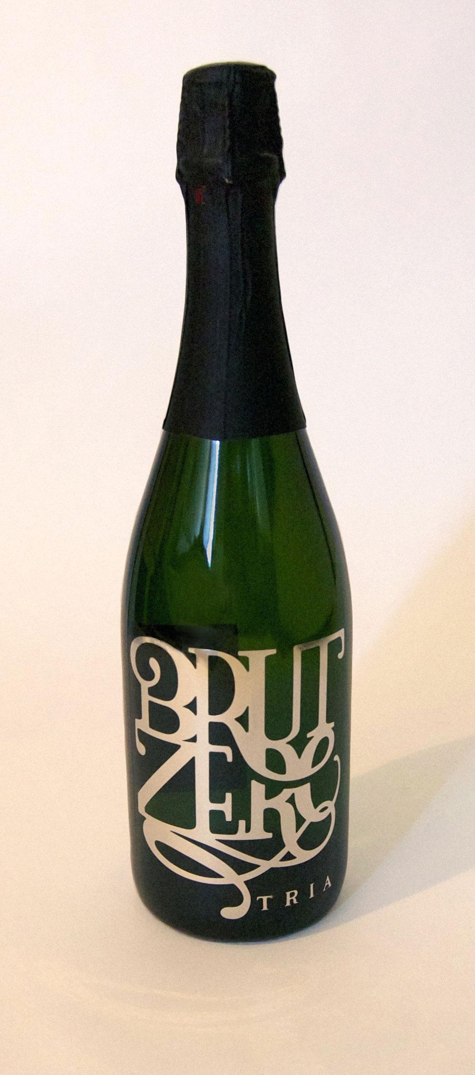 brutzero_bottle_wine_tria_bespoke.jpg
