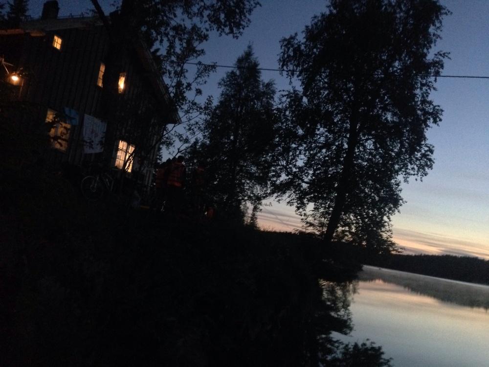 Katnosdammen var der vi tok en liten hvilepause når natten var på sitt mørkeste.