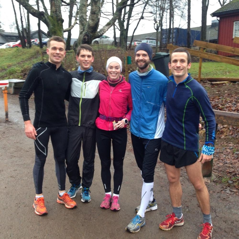 Deltagere på det første Movember Halvmaraton. Fra venstre Carl Edvard Sem, Martin Ørnfjord, Cecilie Isern, Anders Fevik og Daniel Peter Barth.