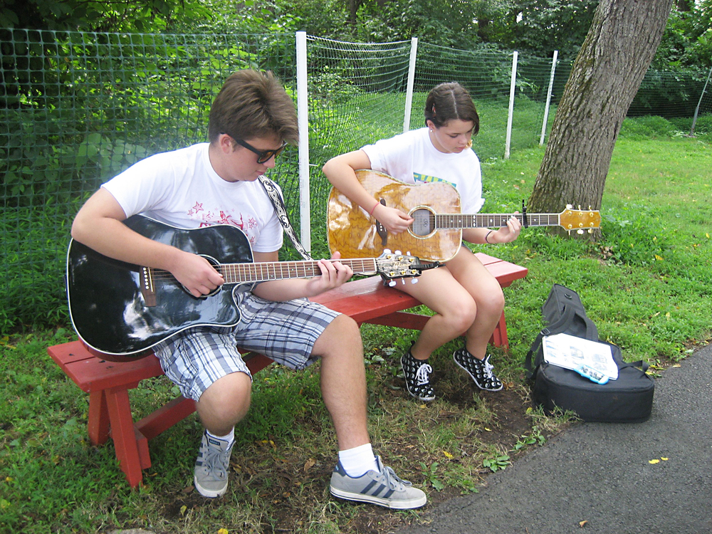 Guitarists_080814.jpg