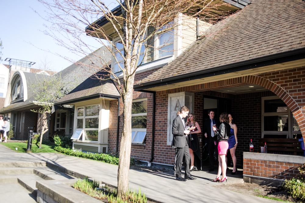 alumni-house.jpg