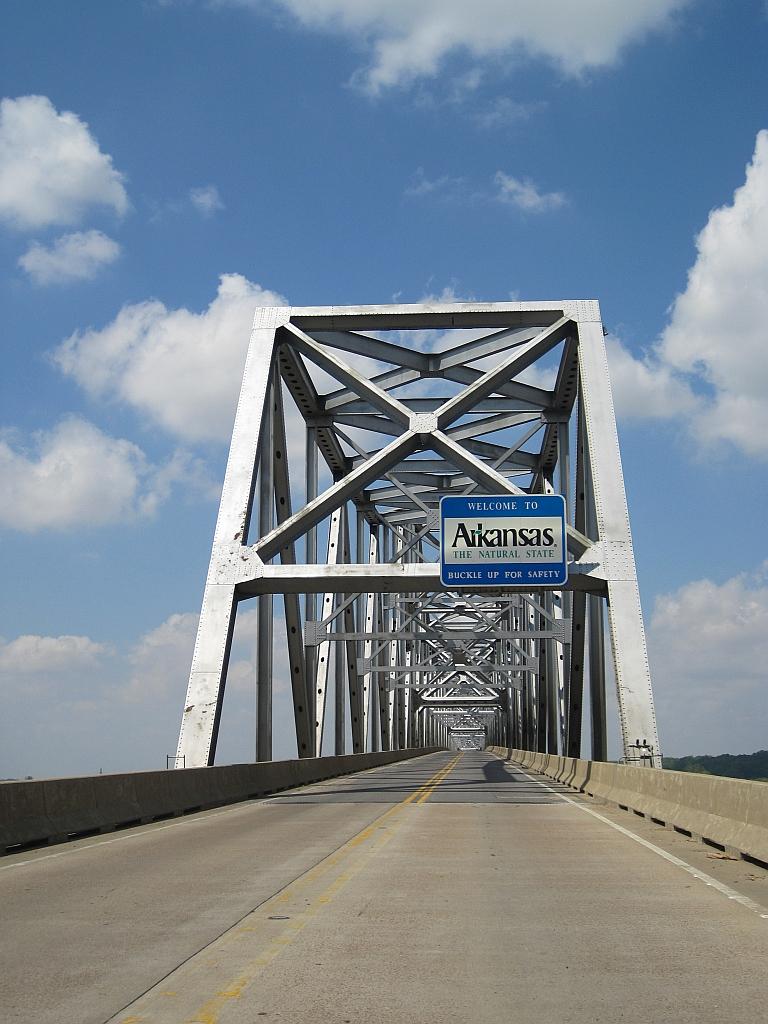 Helena_Bridge_2012-04-01_001.jpg