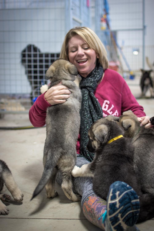 lisa and puppies