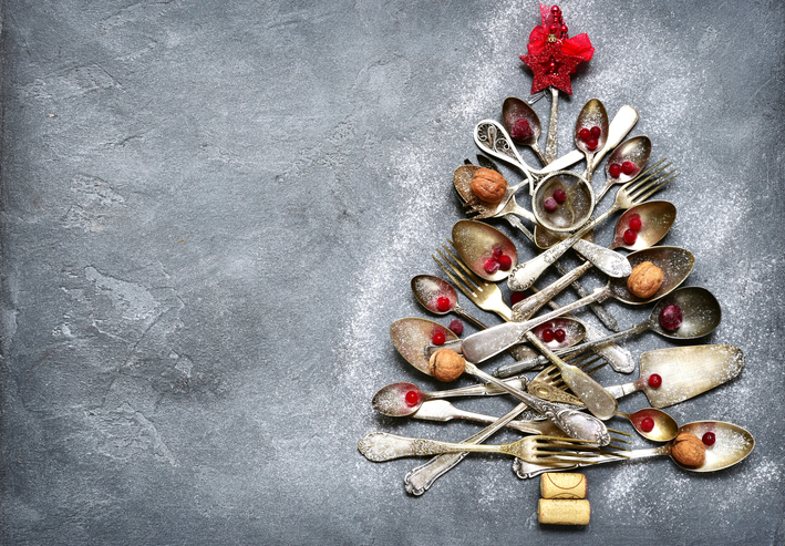 Abstract-christmas-tree-made-from-cutlery-848700772_711x495.jpeg