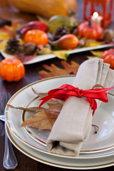 Autumn-Place-Setting-171335844_483x725.jpeg