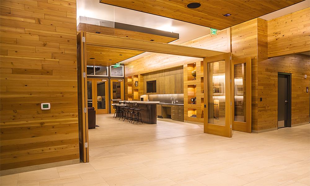 wFI IMG_Bar from lobby15x9.jpg
