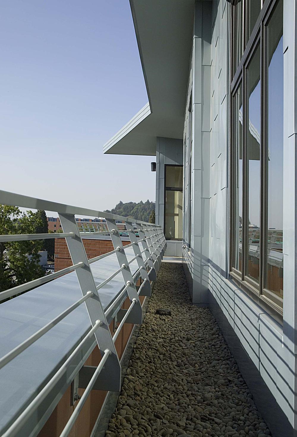 wT ext.balcony detail day.jpg