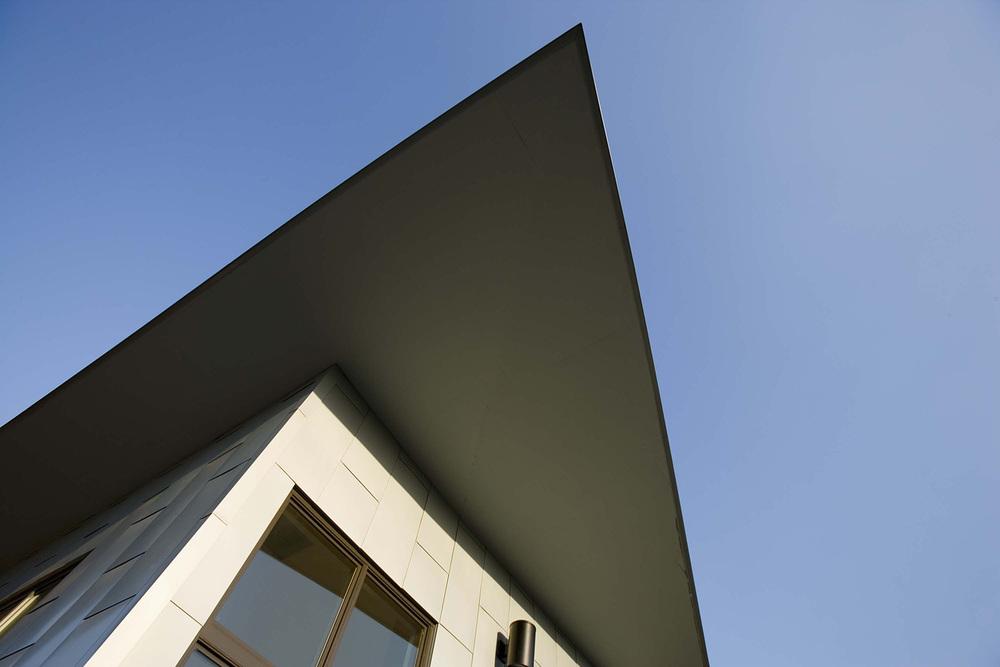 wT ext.roof detail.jpg