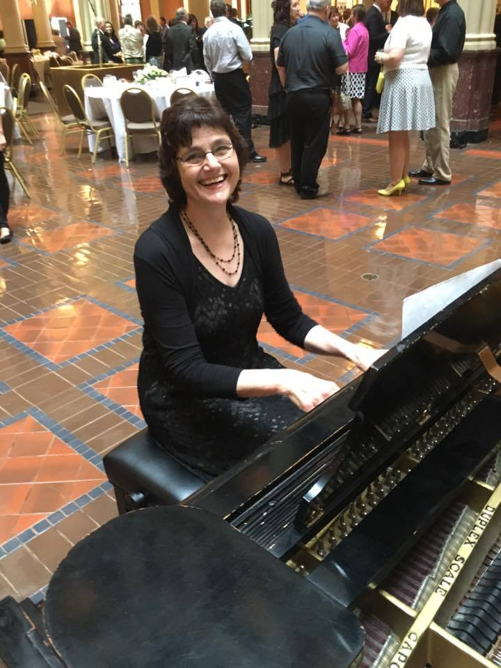Pianist for Parties, Sharon Planer