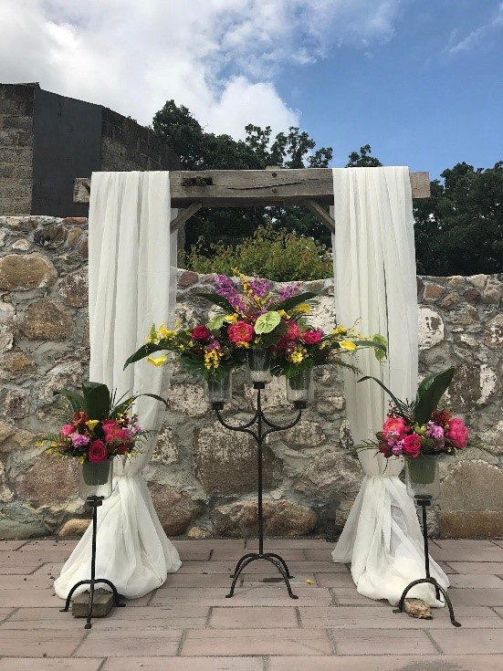 Couples can say I do with this beautiful ceremony display