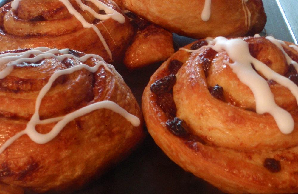 cinnamon buns1.jpg