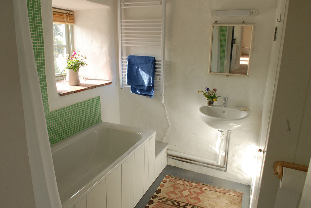 The Coach House bathroom