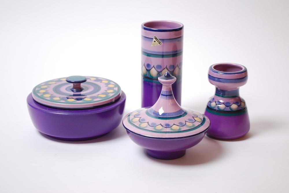 Flora Gouda hand decorated, Lila design 60's