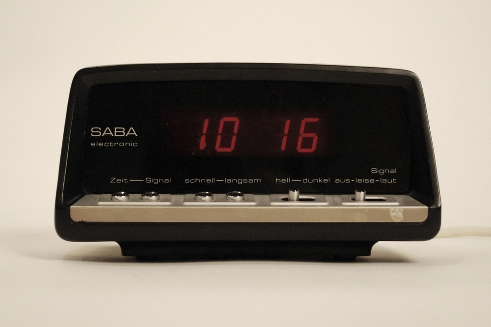 Alarm clock Saba EZ15 red display Germany 70's