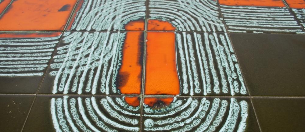 00000056 Tile-coffee-table-60's-vintage-orange.JPG