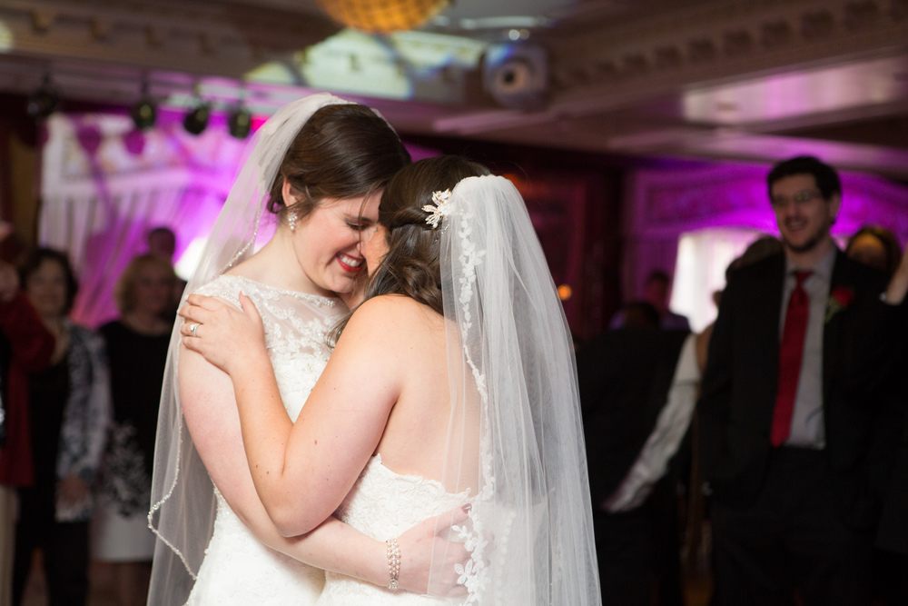 bridesnuzzle.jpg