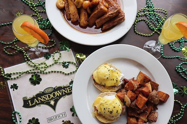 #StPaddysDay doubles as a #SundayFunday this year so we're keeping it classy and doing the whole brunch thing before the @jameson_us & @guinnessus binge starts 🥃🍻🍳 . ☘️ Check out our St. Paddy's Week Party schedule via the @facebook page on our link in bio!