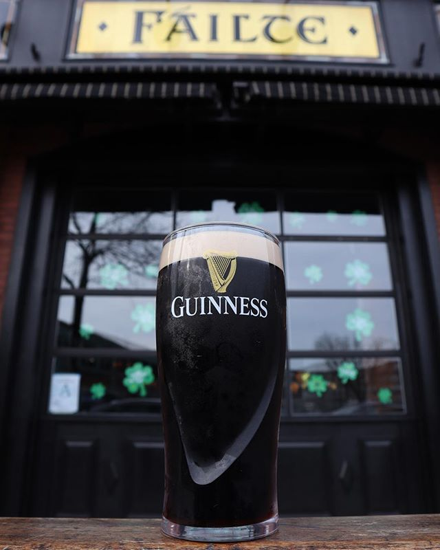 NECTAR OF THE GODS: @guinnessus . We're already drunk and if you're not here yet, you're DOING IT WRONG 👊🏻☘️ Our weekend long Irish Christmas has begun, and we're not stopping until we hit the floor. If you actually care about #StPaddysDay, we'll see you soon! . #LIVEMUSIC 📌 Saturday @ 10pm with @emergencybroadcastband 📌 Sunday @ 10am, 1:30pm, 5pm, AND... 8pm with the legends @bearfightlive! . 📸 DON'T FORGET TO TAG US IN ALL OF YOUR STORIES & POSTS! ➡️ @lansdownepub • #lansdownepub