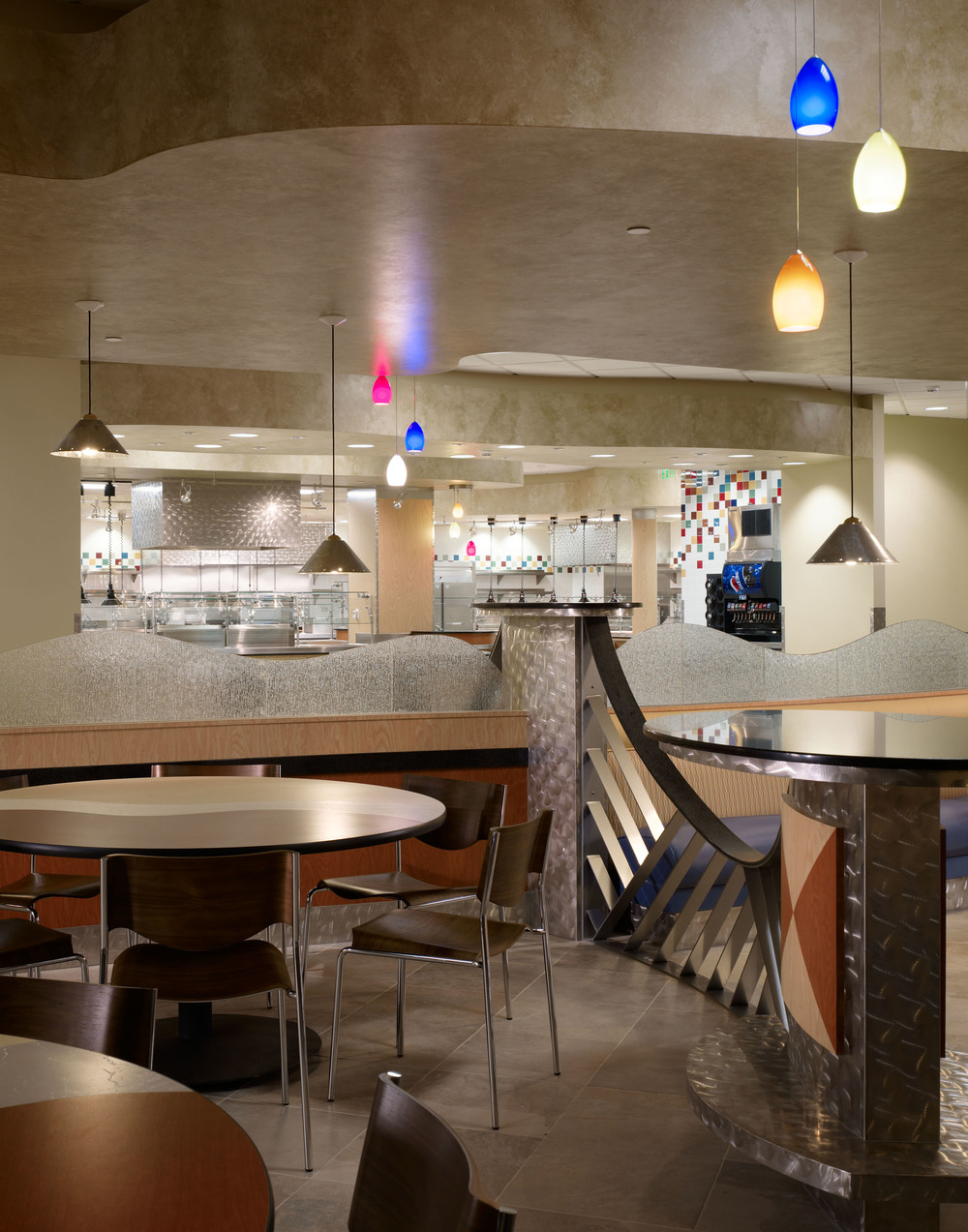UCIrvine Douglas Hospital Interior - Cafeteria 03.jpg