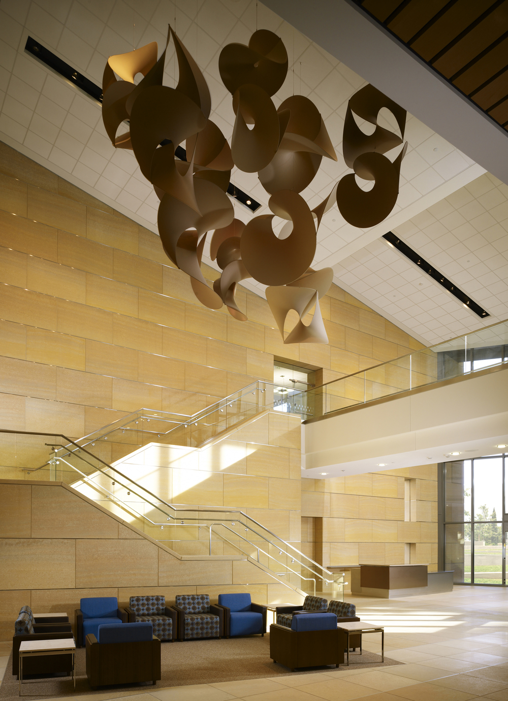 UCIrvine Douglas Hospital Interior - Lobby 01.jpg