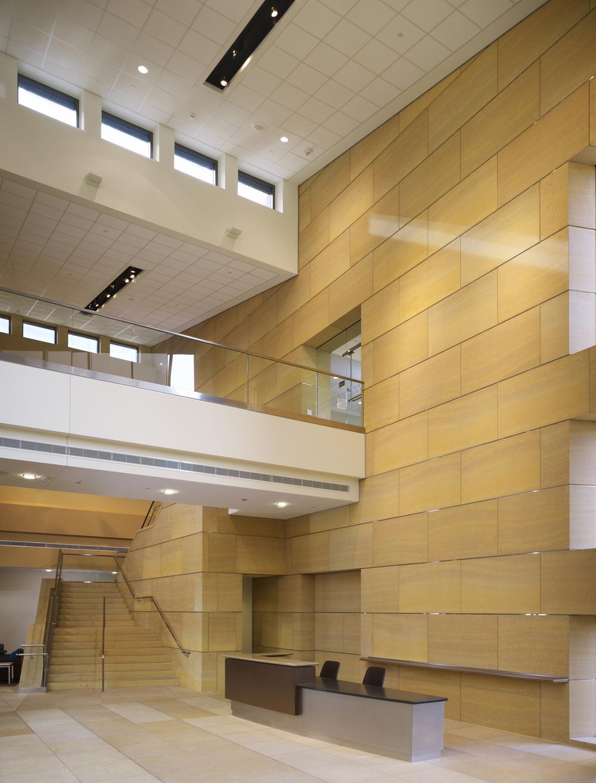 UCIrvine Douglas Hospital Interior - Lobby 02.jpg