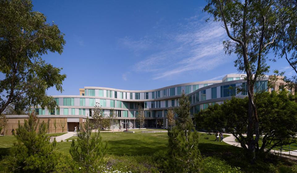 UCI_Humanities_Gateway_002.jpg