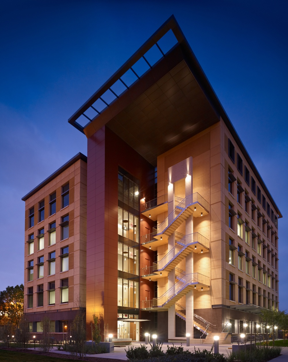 UC Irvine  Medical Center Clinical Lab Building - LEED SILVER