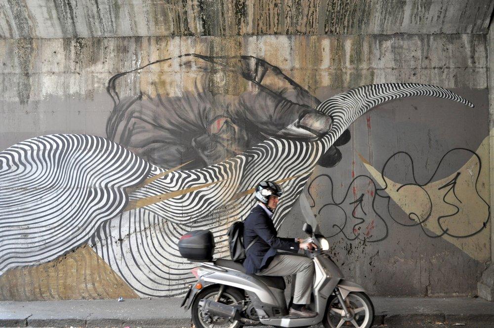 Street Art Scooter T.JPG