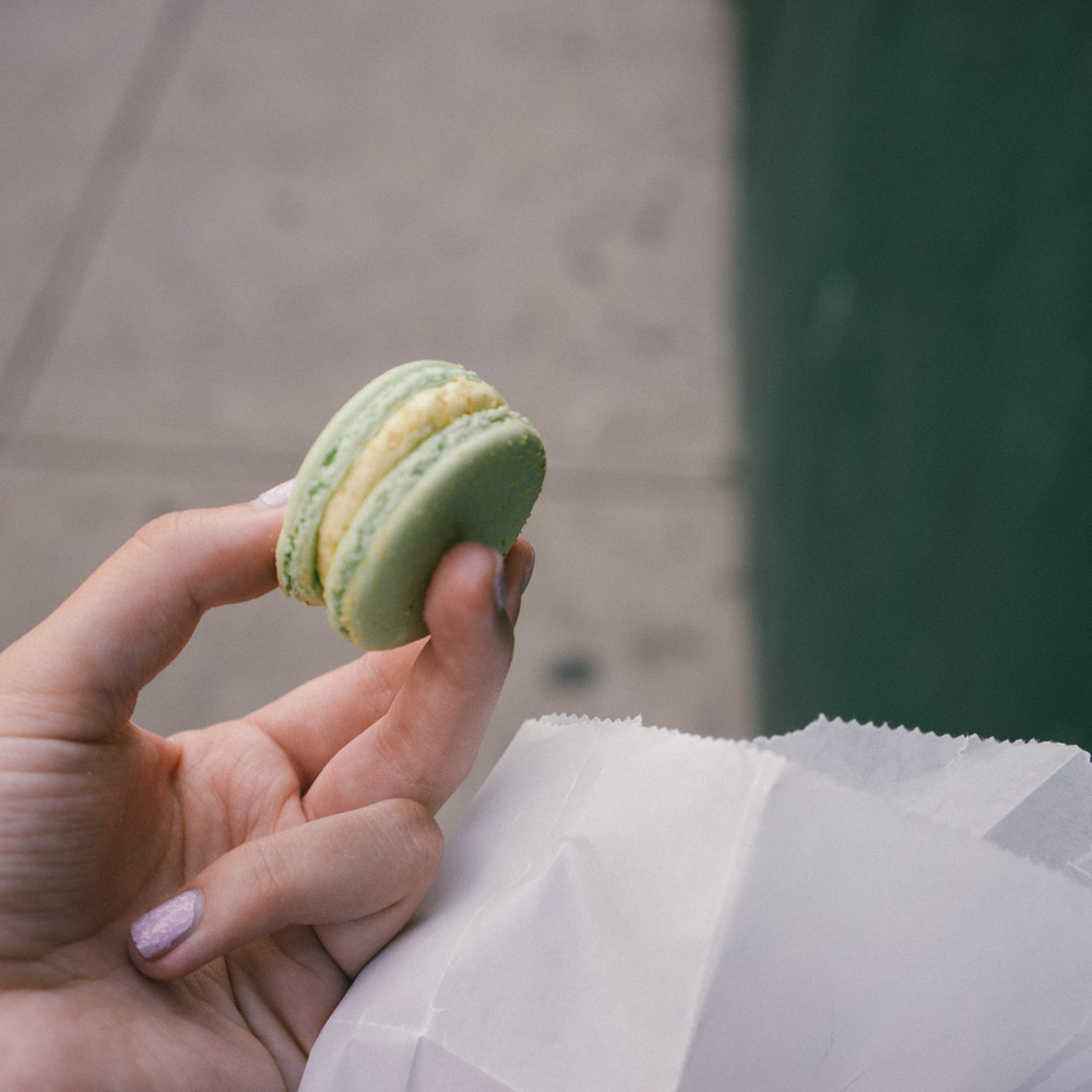 Graham cracker key lime pie macaron via www.MarinaSays.com