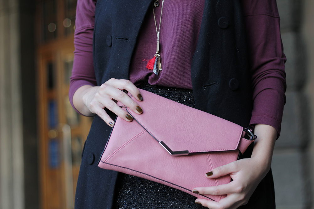 Cute pink handbag and other outfits by www.MARINASAYS.com, the blog about a life and style w