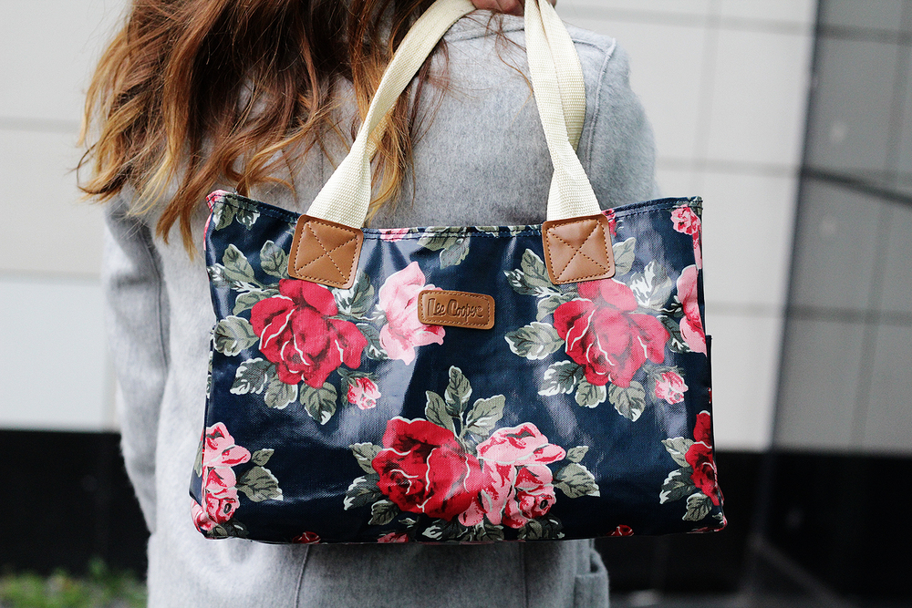 The Lee Cooper Tote Bag is my go to bag this winter. More style swags at www.MarinaSays.com