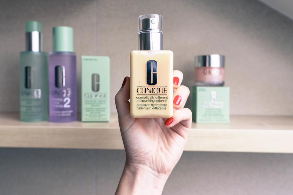 "Clinique's ""Dramatically Different"" moisturizer really IS all that. See why at www.MARINASAYS.com"