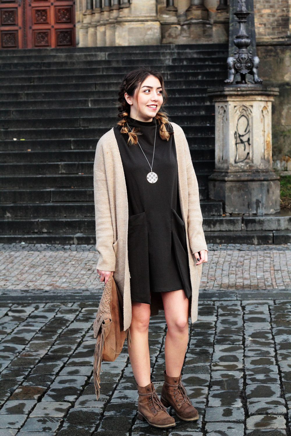 How to rock an oversized dress from day to night at www.MARINASAYS.com