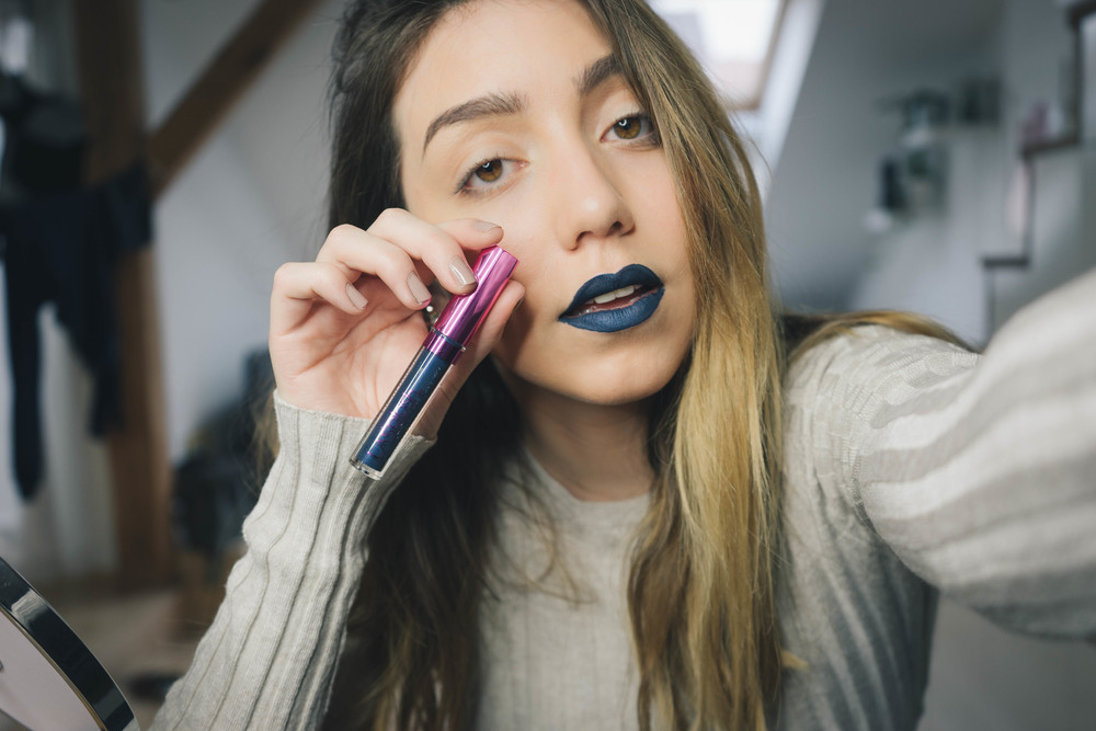"Dope blue lipstick review - the Harry Potter collection in ""Sirius"" - by www.MARINASAYS.com"