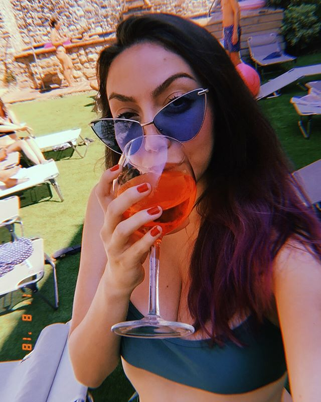 Saturday in Italy 🇮🇹 with aperol spritz 🍹 • • • • • #aperolspritz #aperolspritz🍹 #aperolspritztime #milanitaly #bergamoitaly #italytrip #italiani #weekend #chillings