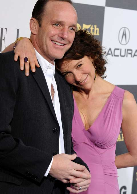 Jennifer-Grey-n-Clark-Gregg.jpeg