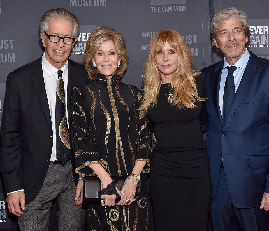 jane-fonda-rosanna-arquette-couple-up-at-holocaust-museum-gala-2016-05.jpg