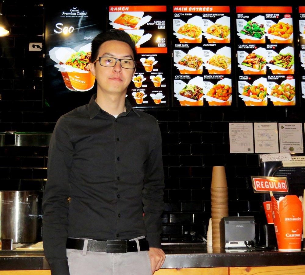 Owen Chen, gerente de los restaurantes Cantón.