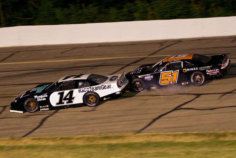 One of the best battles of the 2012 season was between Zack Riddle and Dale Nottestad competing for the 2012 Late Model Track Championship. PHOTO: TJ Harron Photography