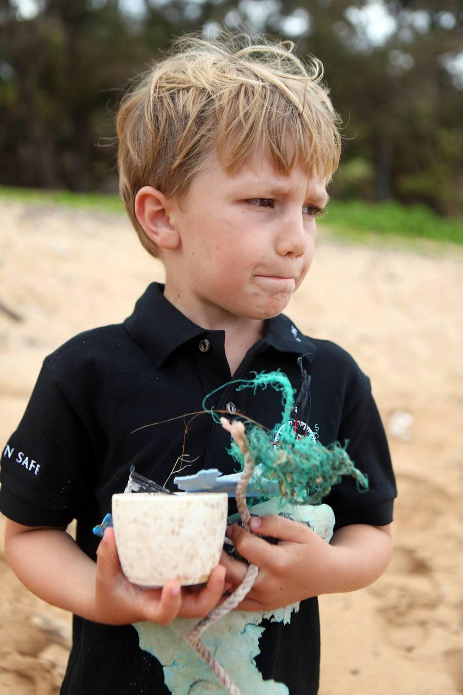 Connor+Beach+Cleanup+hawaii07.jpg
