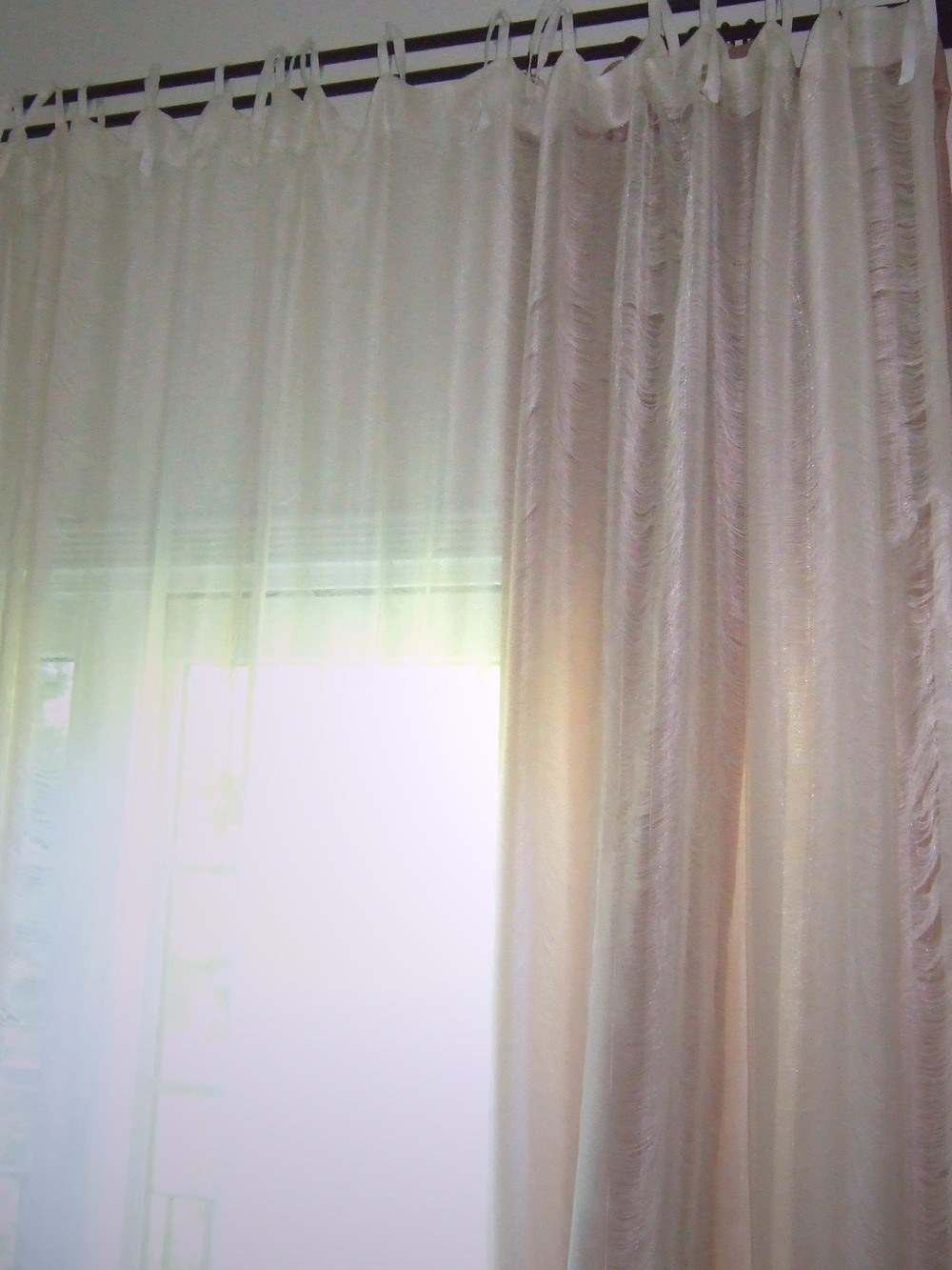 BedroomWindowDressing.jpg
