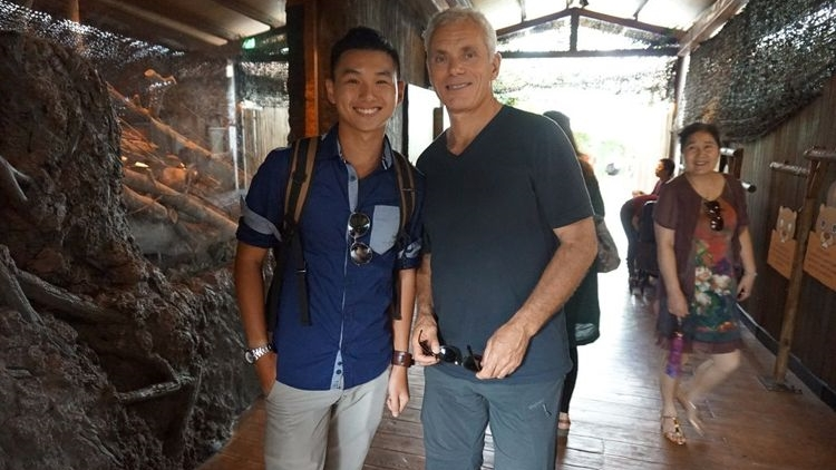 Didn't manage to take a picture with him at the event, but bumped into him while touring around River Safari. How Lucky!
