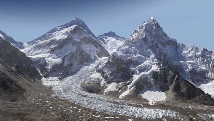 Mount Everest Panorama (2 Gigapixels) / Photo Credit: GlacierWorks