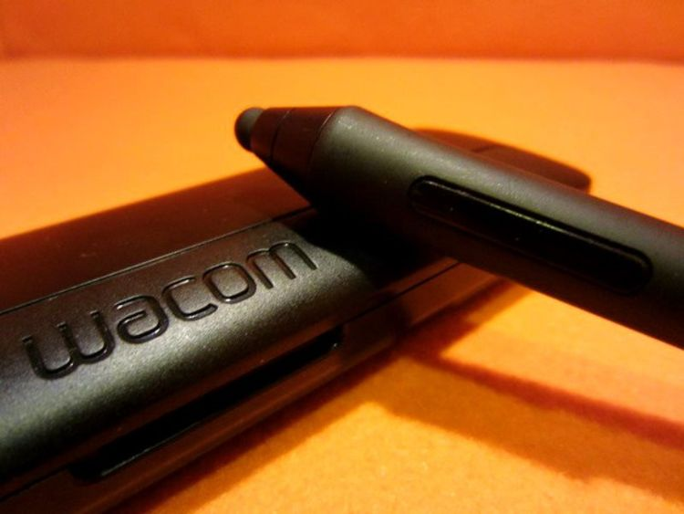 Wacom-Intuos-Creative-Stylus-With-Case (5).jpg