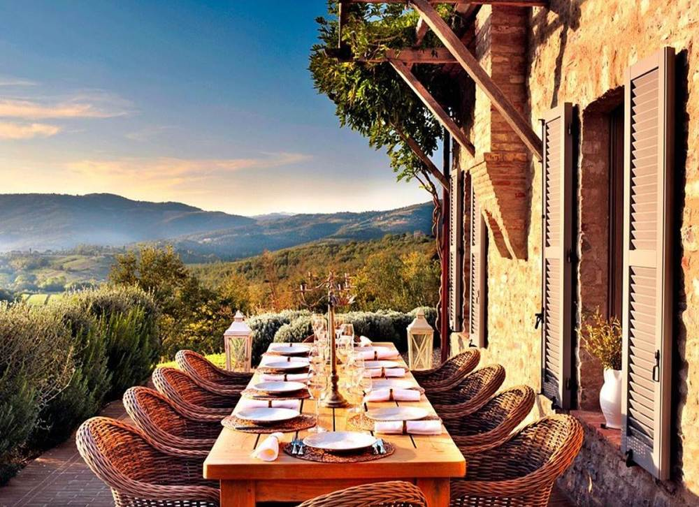 Photo: Courtesy of Carpe Diem Luxury Travel Italian farmhouse in Umbria – five bedrooms, tennis court and a heated pool.