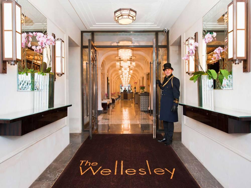 The Wellesley - Lobby