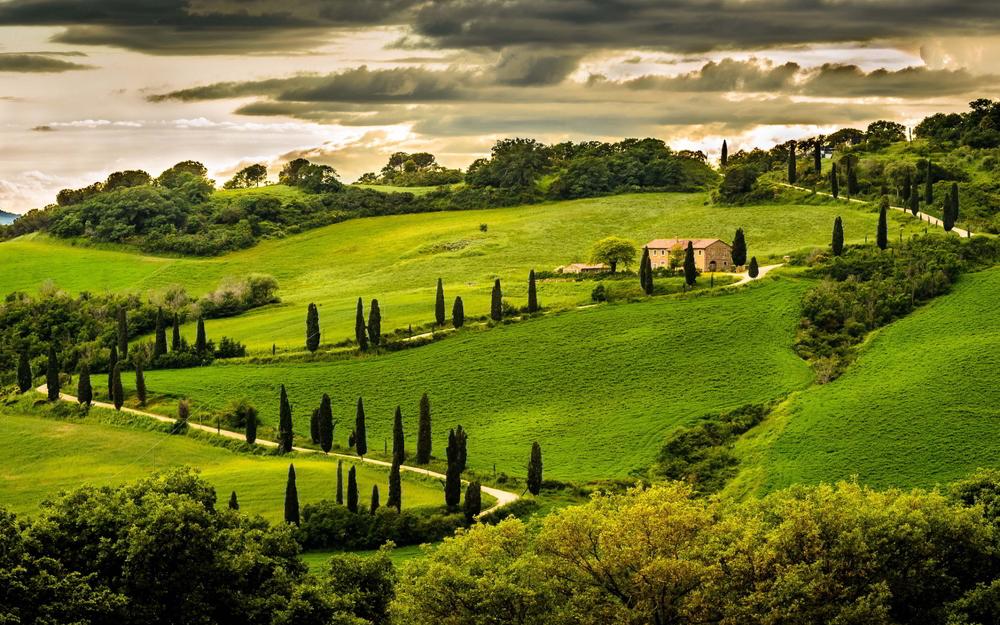 7021816-umbria-italy-landscape.jpg
