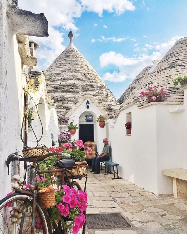 The beautiful trullo homes in Italy . . . #Alberobello #Puglia #Italy #ThatView #MermaidLife #beautiful #sun #luxurytravel #lovelife #vacation #adventures #happy #photooftheday #instagood #instatravel #bestoftheday #travel #koyds #travelbug #blessed #travelpics #tourist #thegoodlife #fun #wanderlust #paradise #IamATraveler #amazingplaces #Summer