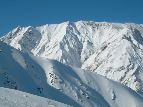 Good skiing up high. © The Powder Project Pty Ltd