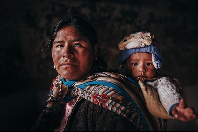 The last two weeks I've been in Peru shooting a film about Salt workers of the Andes with @tidyimages & @totofuentes91 . It's been an incredible, humbling and challenging experience so far. The daily effort these people do to keep their traditions alive is something we have been lucky to admire and document everyday. Here's a portrait of a Quechua mother and her son. Two generations. The present and future of their traditions. Thankful for their teachings. ❤️